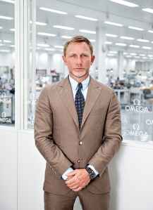 csm_Daniel_Craig_is_seen_at_the_OMEGA_Factory_Visit_in_Switzerland_2_01_448a79b125