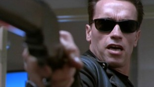 film-terminator_2_judgement_day-1991-the_terminator-arnold_schwarzenegger-accessories-sunglasses-595x335