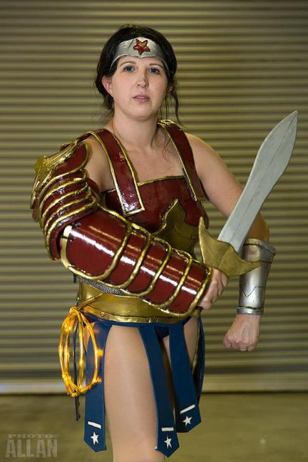 Wonder Woman - DC - New52 Divine Armour - rAge 2015 - Photo by Allan Riedel