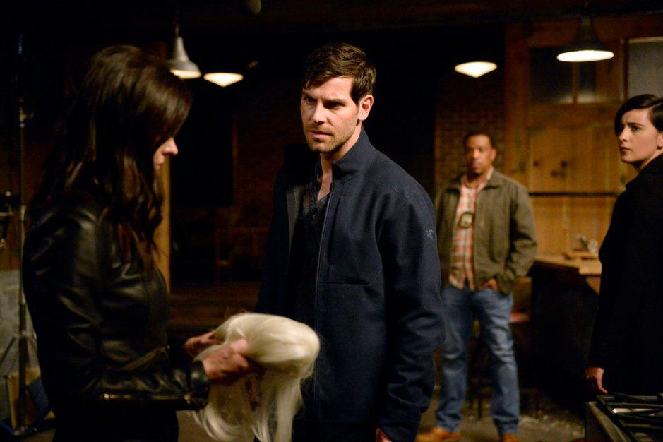 "GRIMM -- ""Fugitive"" Episode 601 -- Pictured: (l-r) Bitsie Tulloch as Juliette Silverton, David Giuntoli as Nick Burkhardt -- (Photo by: Allyson Riggs/NBC)"